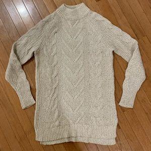 Old Navy mock turtleneck sweater, EUC, size M